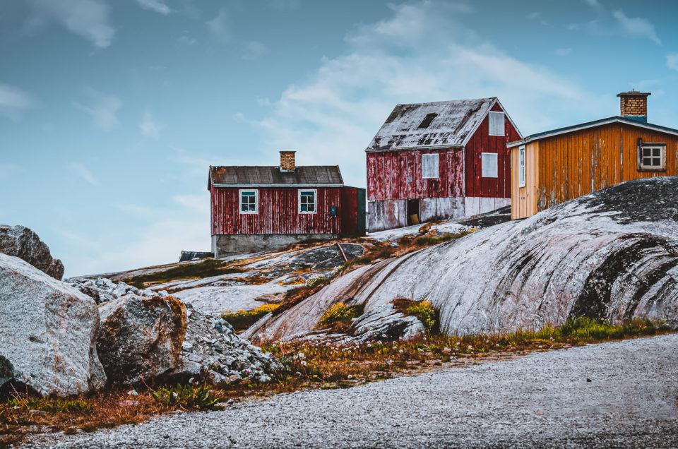 Die Eispanzer der Vergangenheit haben ganze Arbeit geleistet, Nanortalik, Südgrönland (1200 Einwohner), Grönlands südlichste Siedlung